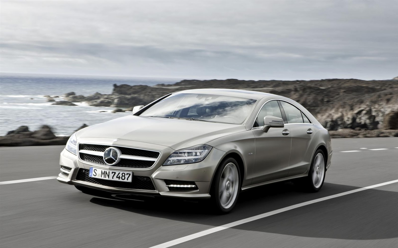 Mercedes Benz CLS Class New Technologies Free Download Image Of