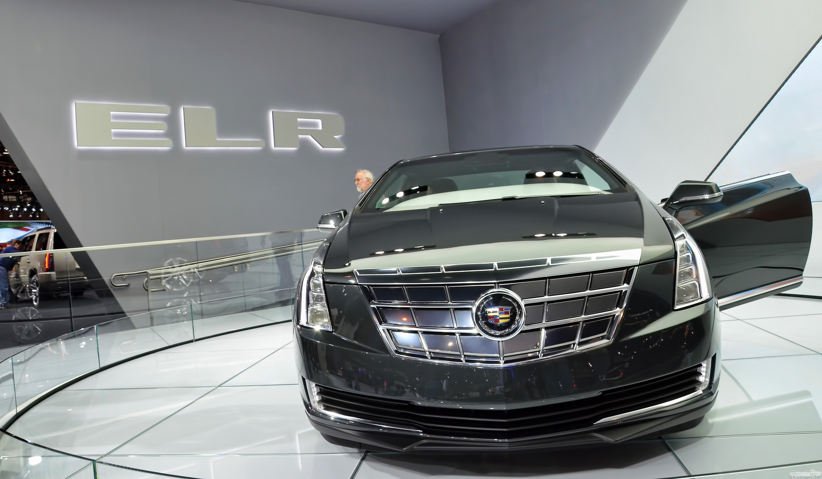 Rippy Cadillac ELR Puts Energy Control at Driver's Fingertips Free Download Image Of