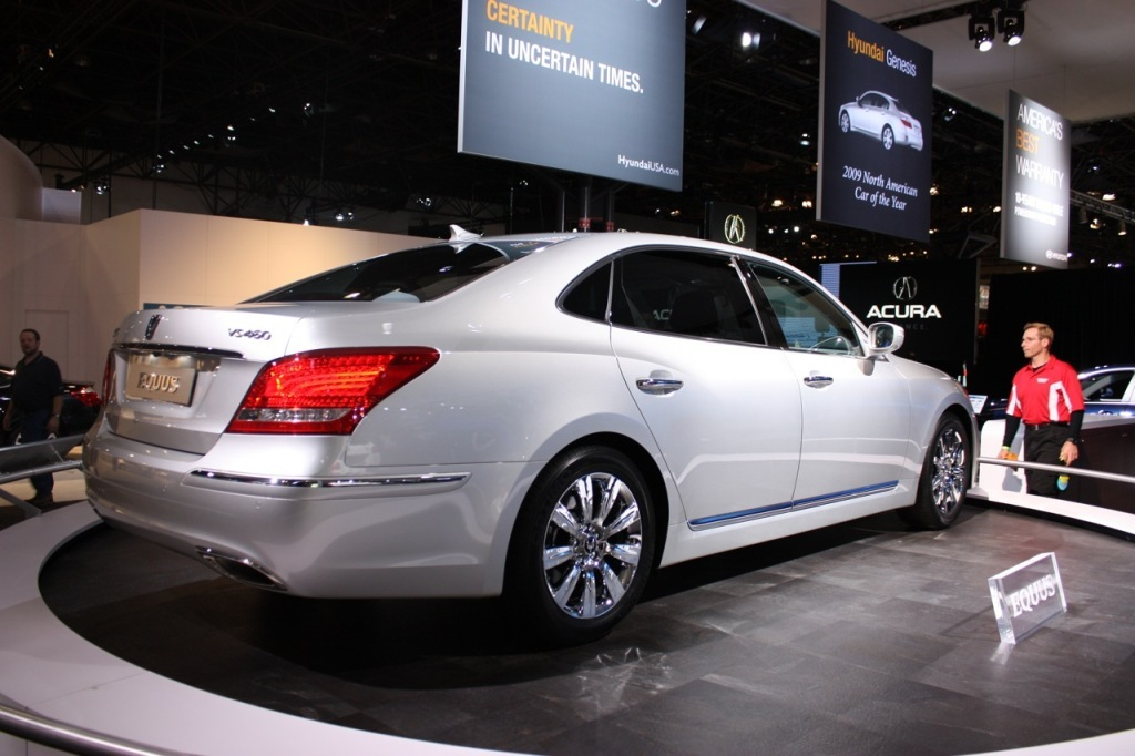 hyundai equus thumbnail brings Equus luxury sedan to the New Wallpapers Desktop Download