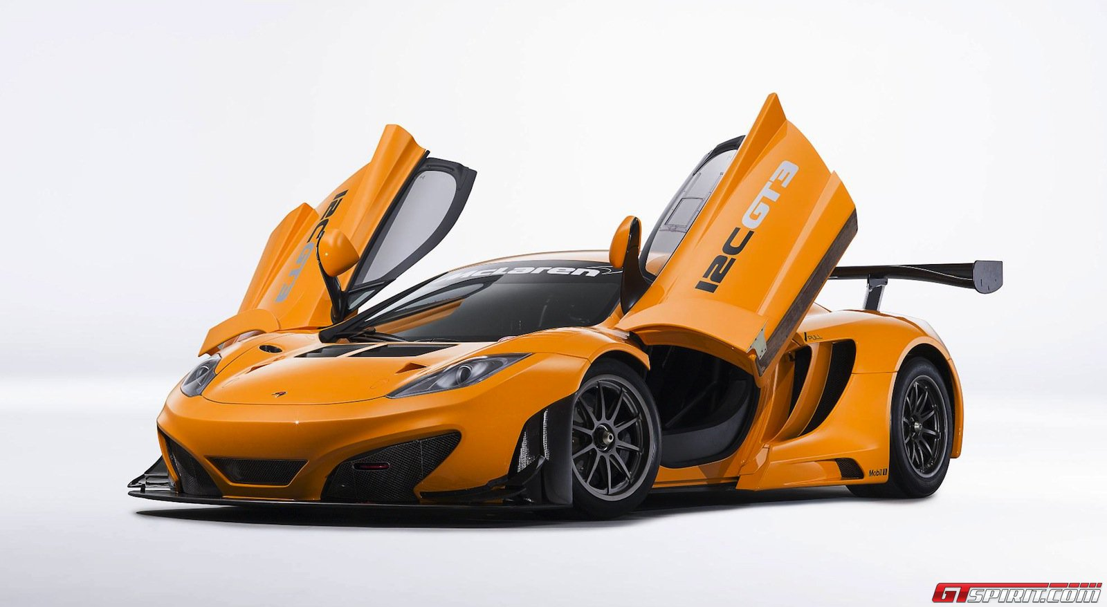 McLaren MP4 2C GT3 Motor Show High Resolution Wallpaper Free