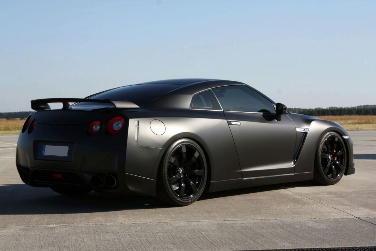 Nissan GT-R Avus Screensavers For Ios 7