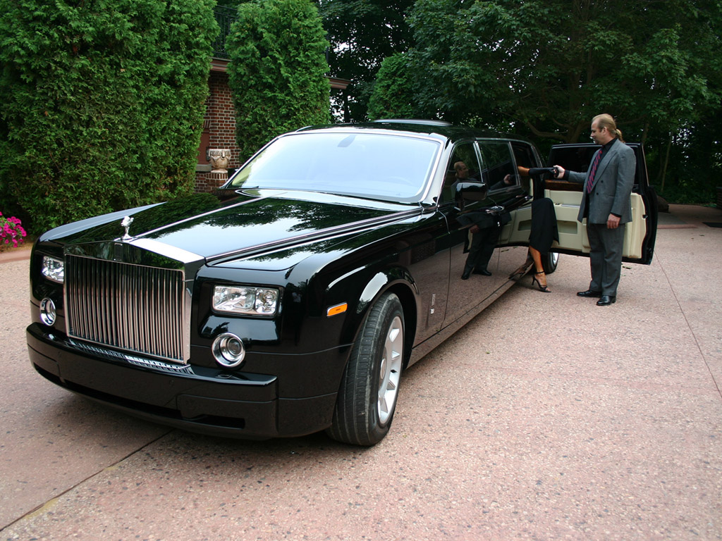 Rolls Royce Phantom Black Tie Wallpaper For Iphone