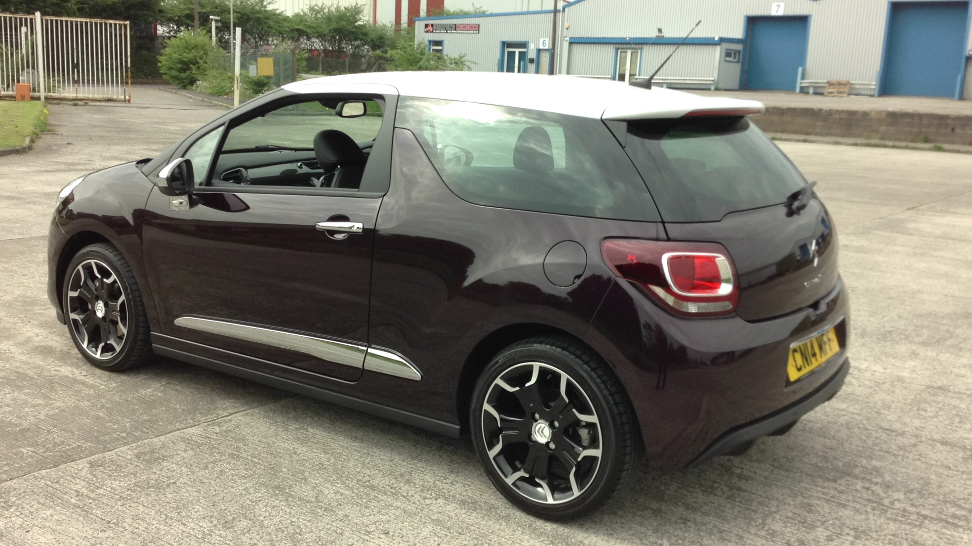 Used Citroen Ds3  black Cars Free Download Image