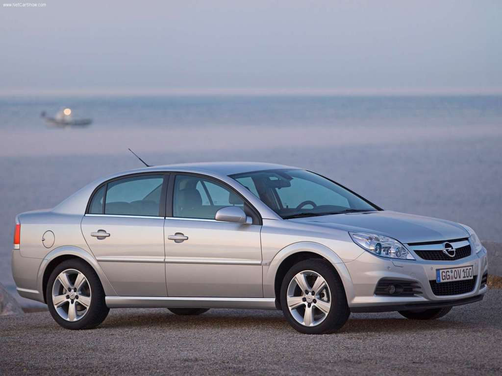OPEL Vectra has introduced over  models running Wallpaper Download Wallpaper