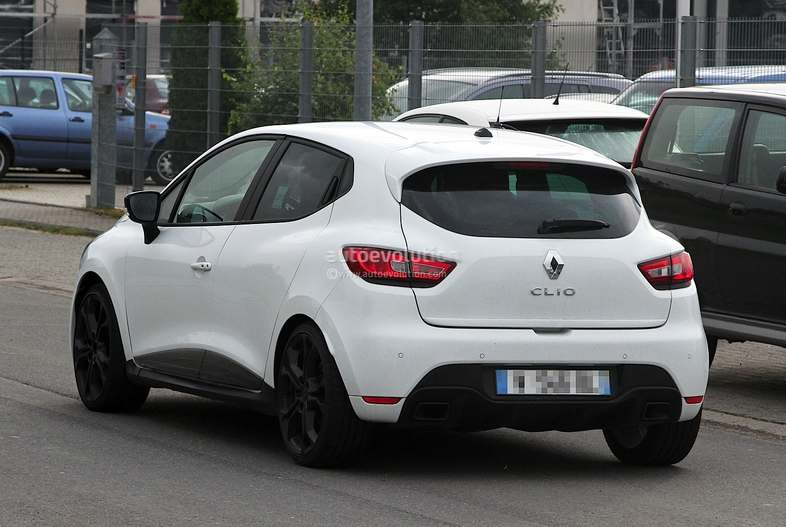 renault clio iv rs 210 spotted undisguised in white Desktop Backgrounds Wallpaper
