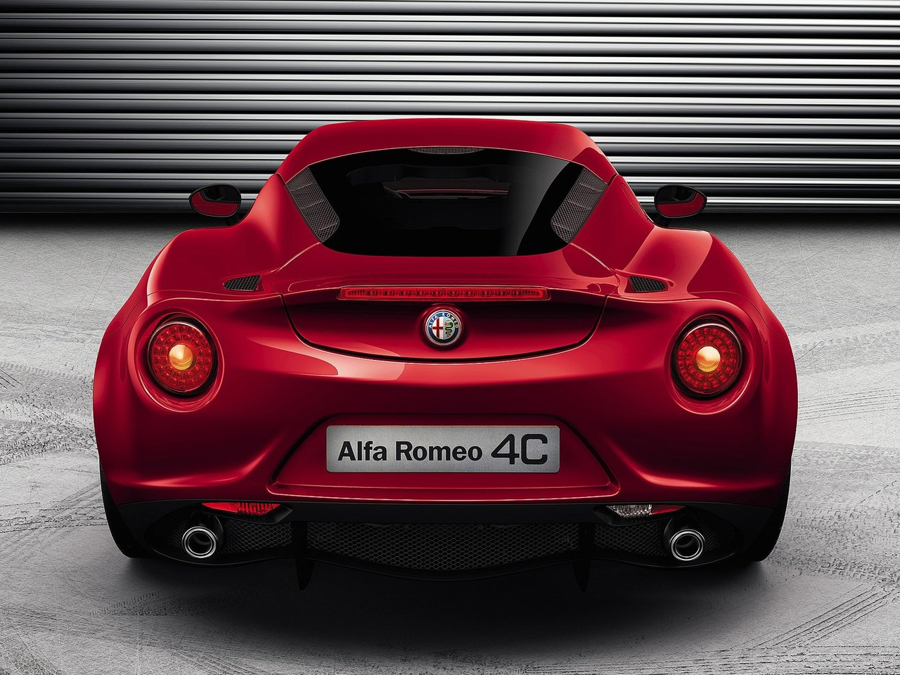 Alfa Romeo 4C Rear Picture Size High Resolution Image Wallpapers HD