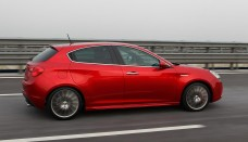 Alfa Romeo Giulietta overseas Locked Wallpapers HD