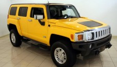 Yellow 2007 Hummer H3 SUV Desktop Backgrounds