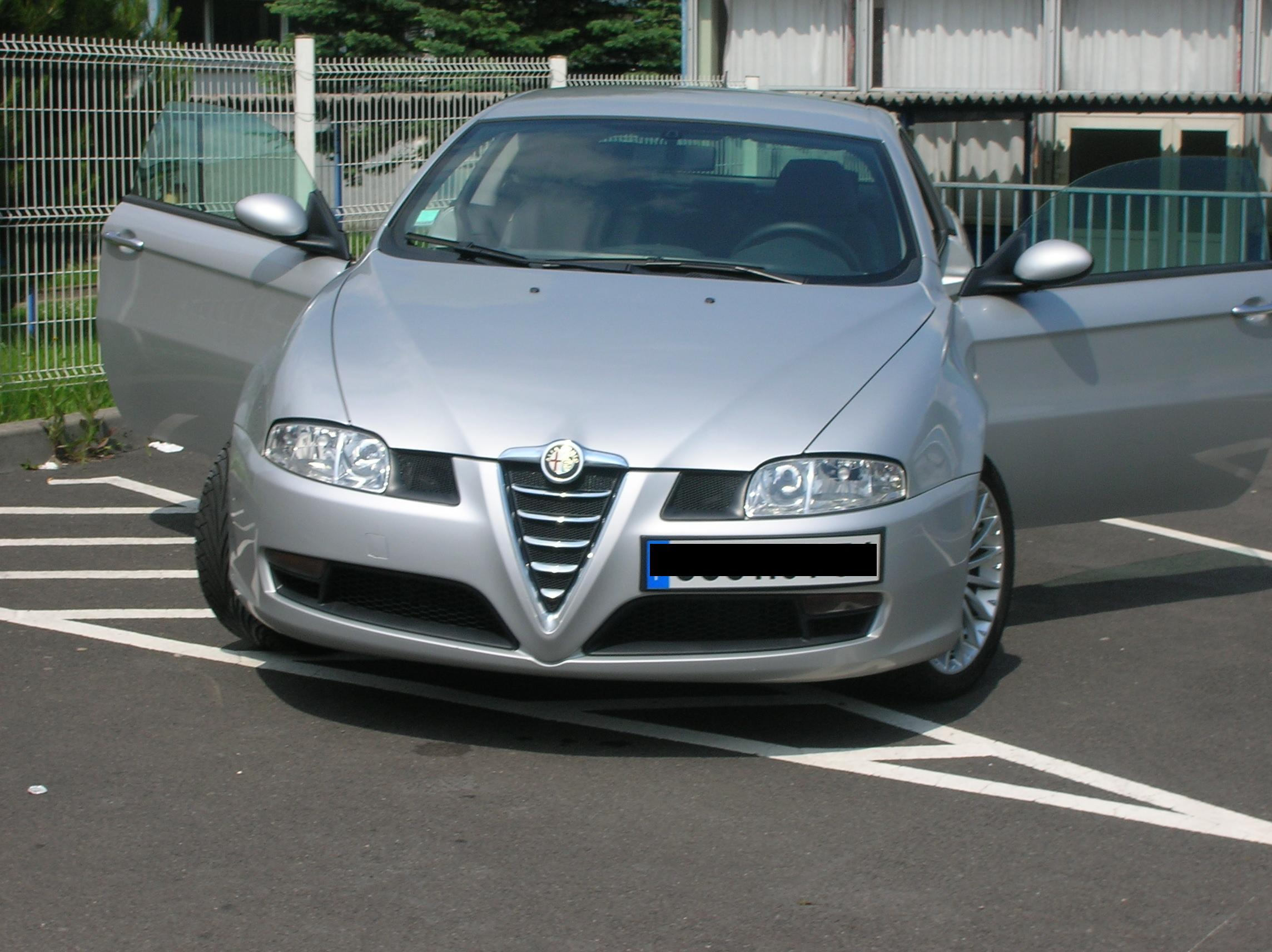 ALFA ROMEO GT 1.9 JTD Gris clair Diesel Coupe photo High Resolution Image Wallpapers Backgrounds