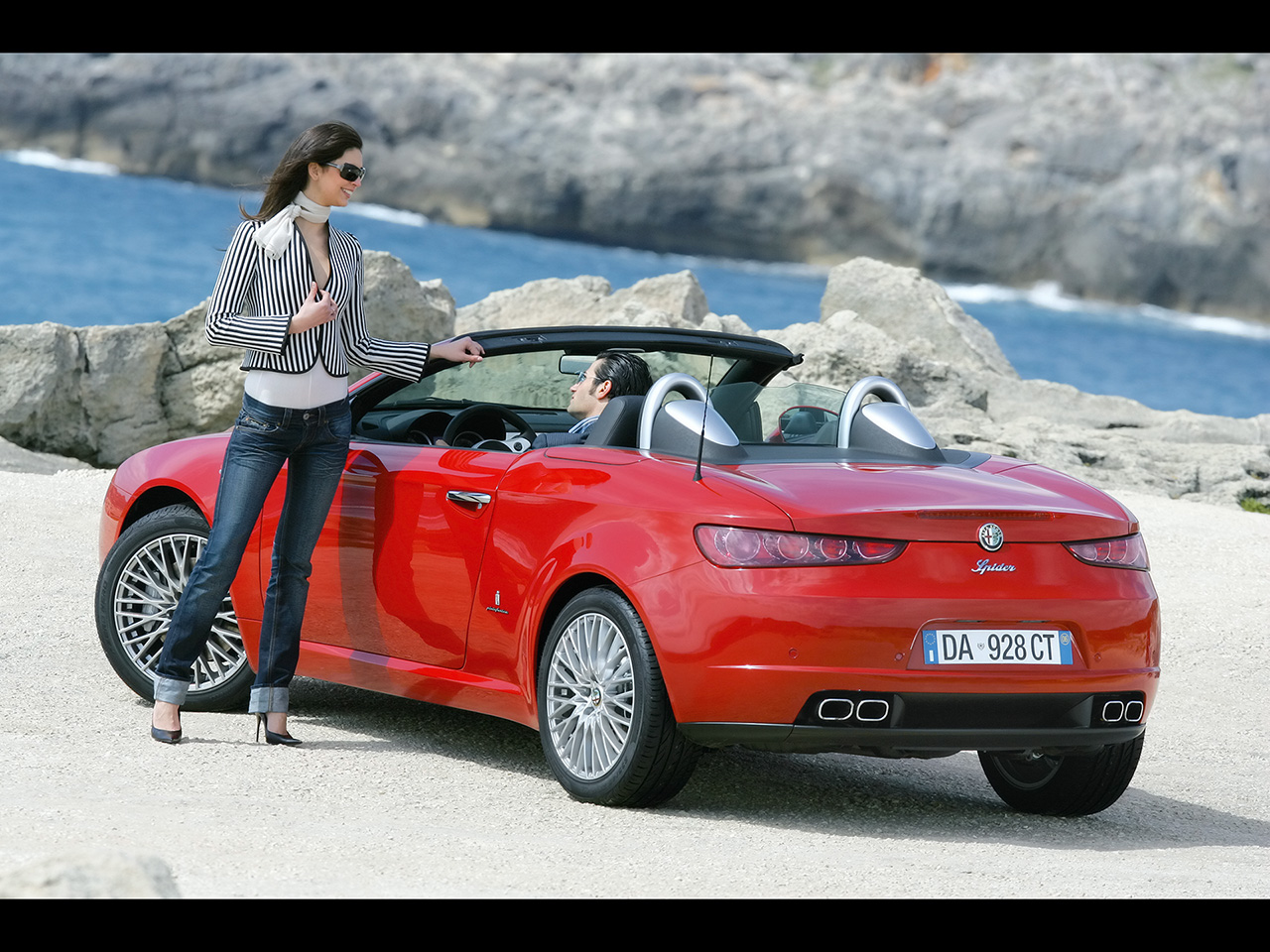 Alfa Romeo Spider girl High Resolution Image Wallpapers HD