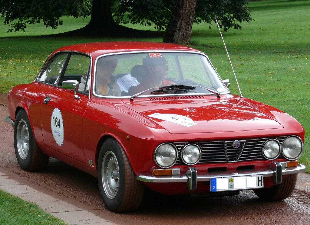 Alfa Romeo 2000 GTV Bertone red vr photo High Resolution Image Wallpapers Backgrounds