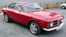 Alfa Romeo GT1300 Junior front High Resolution Image Wallpapers Backgrounds