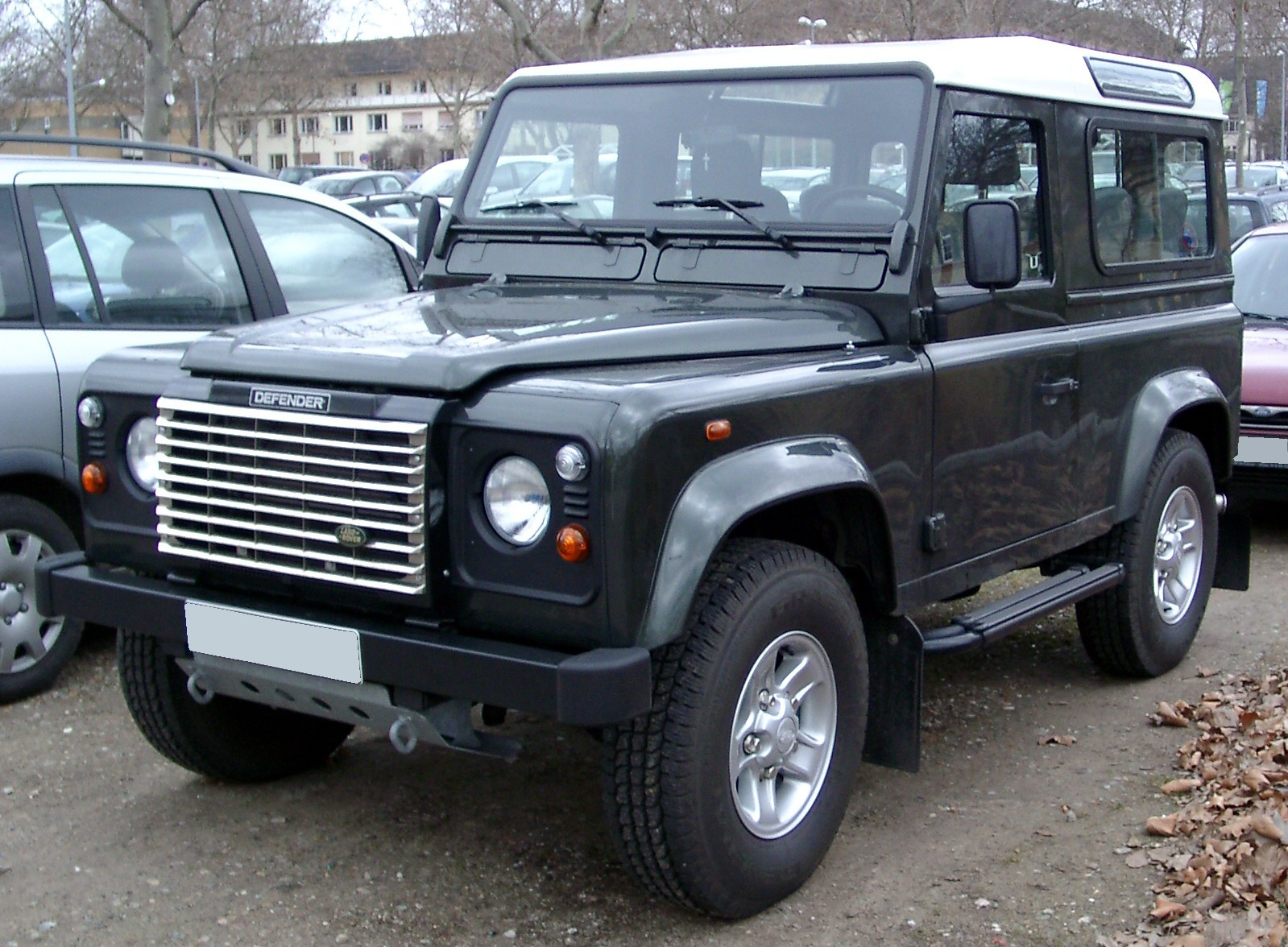 Land Rover Defender front Wallpapers Desktop Download