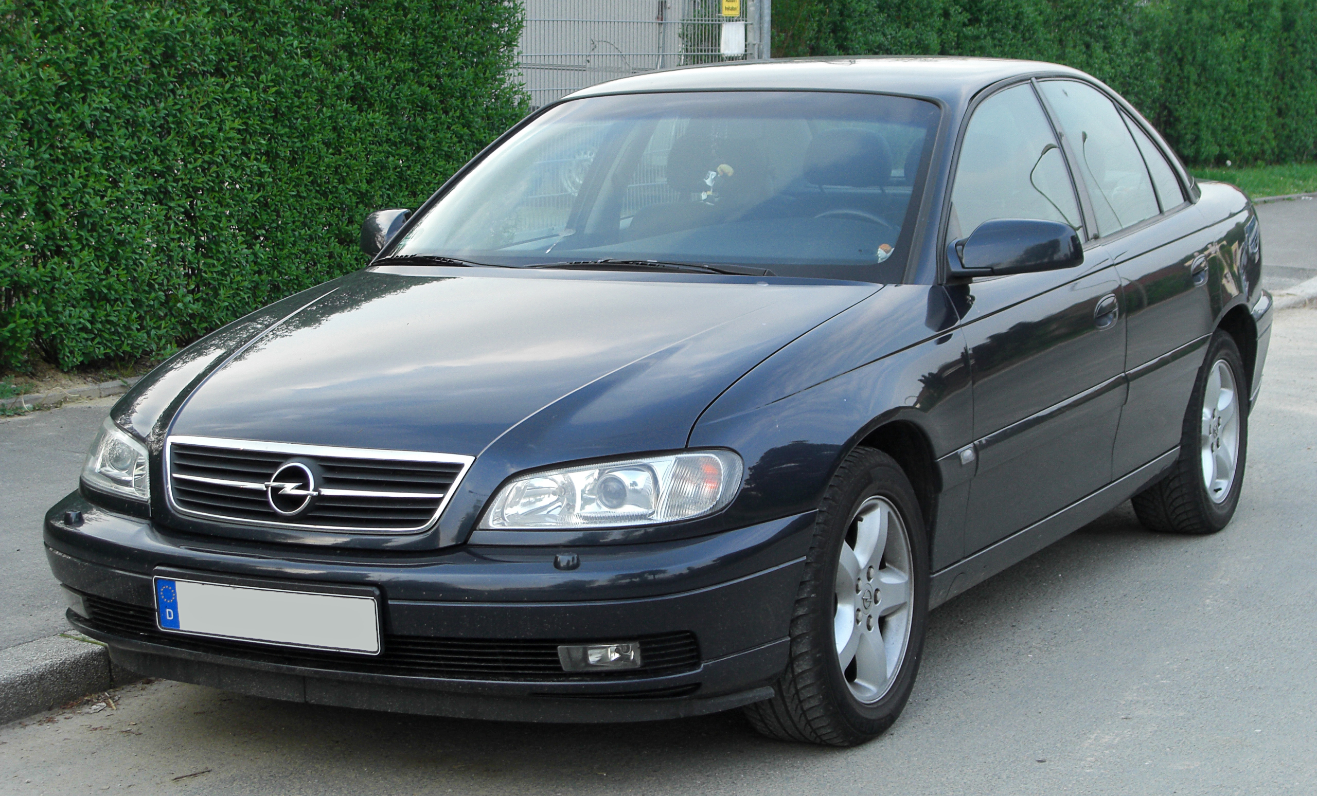 Opel Omega II 2.2i Facelift front Wallpapers HD