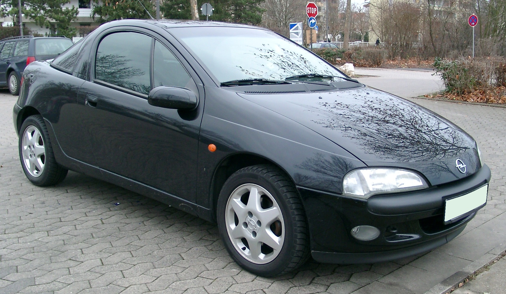 Opel Tigra front manufactured Wallpapers Download