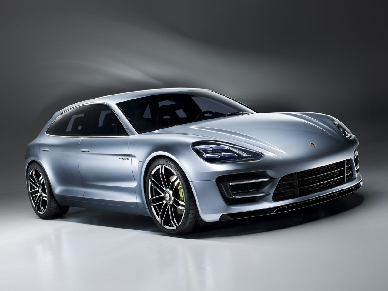 porsche panamera Sport Turismo is a very polarizing car and for a number of Wallpapers HD