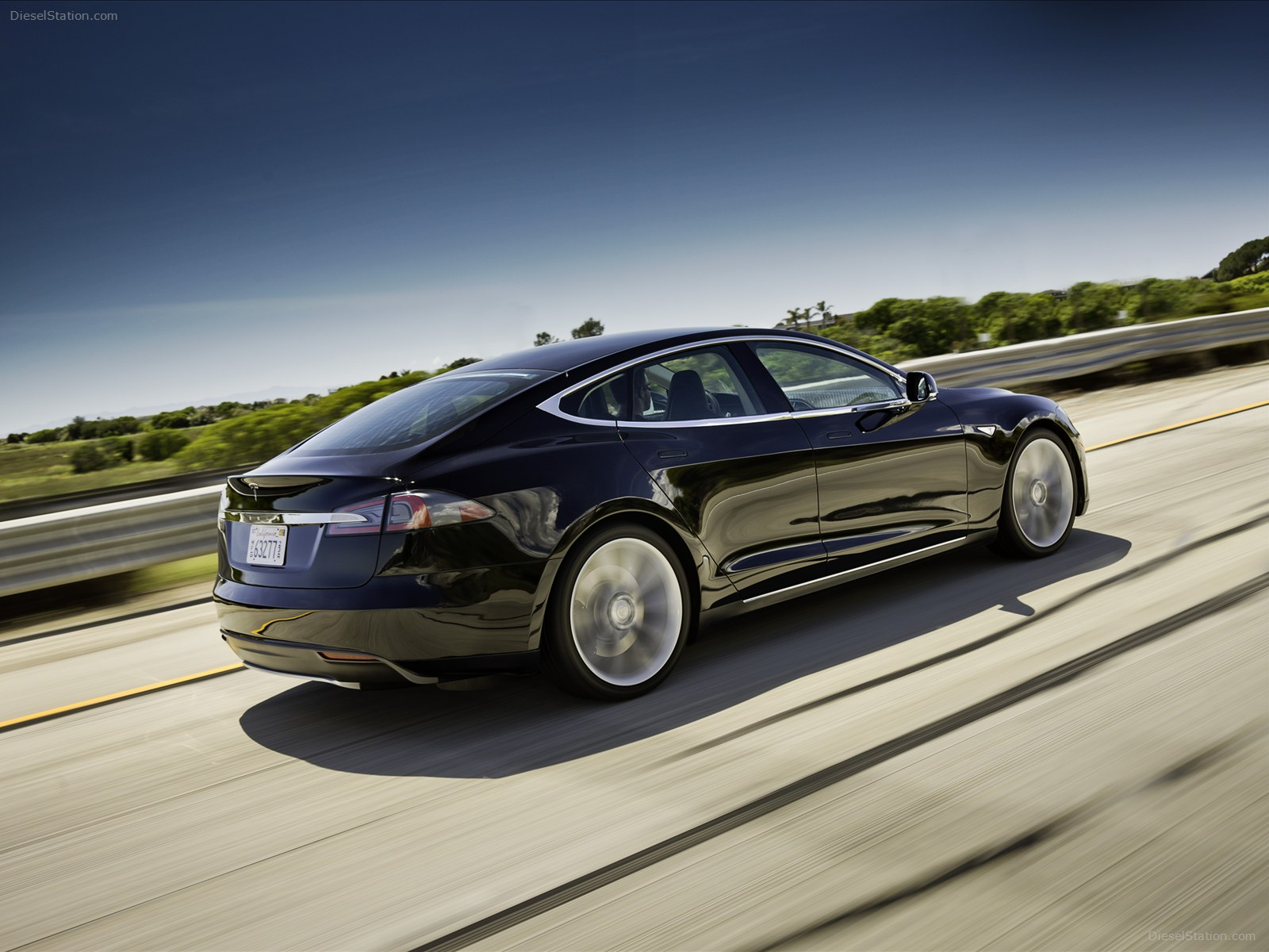 Tesla Model S electric sedan picture High Resolution Wallpaper Free