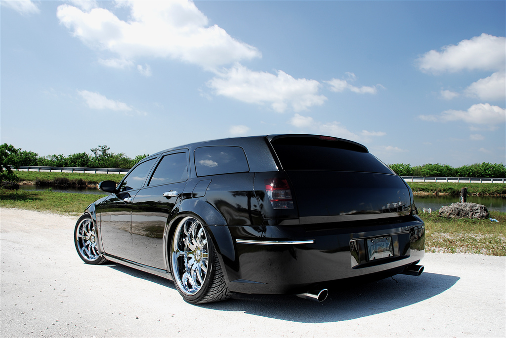 Dodge Magnum DUB High Resolution Image Wallpaper Backgrounds