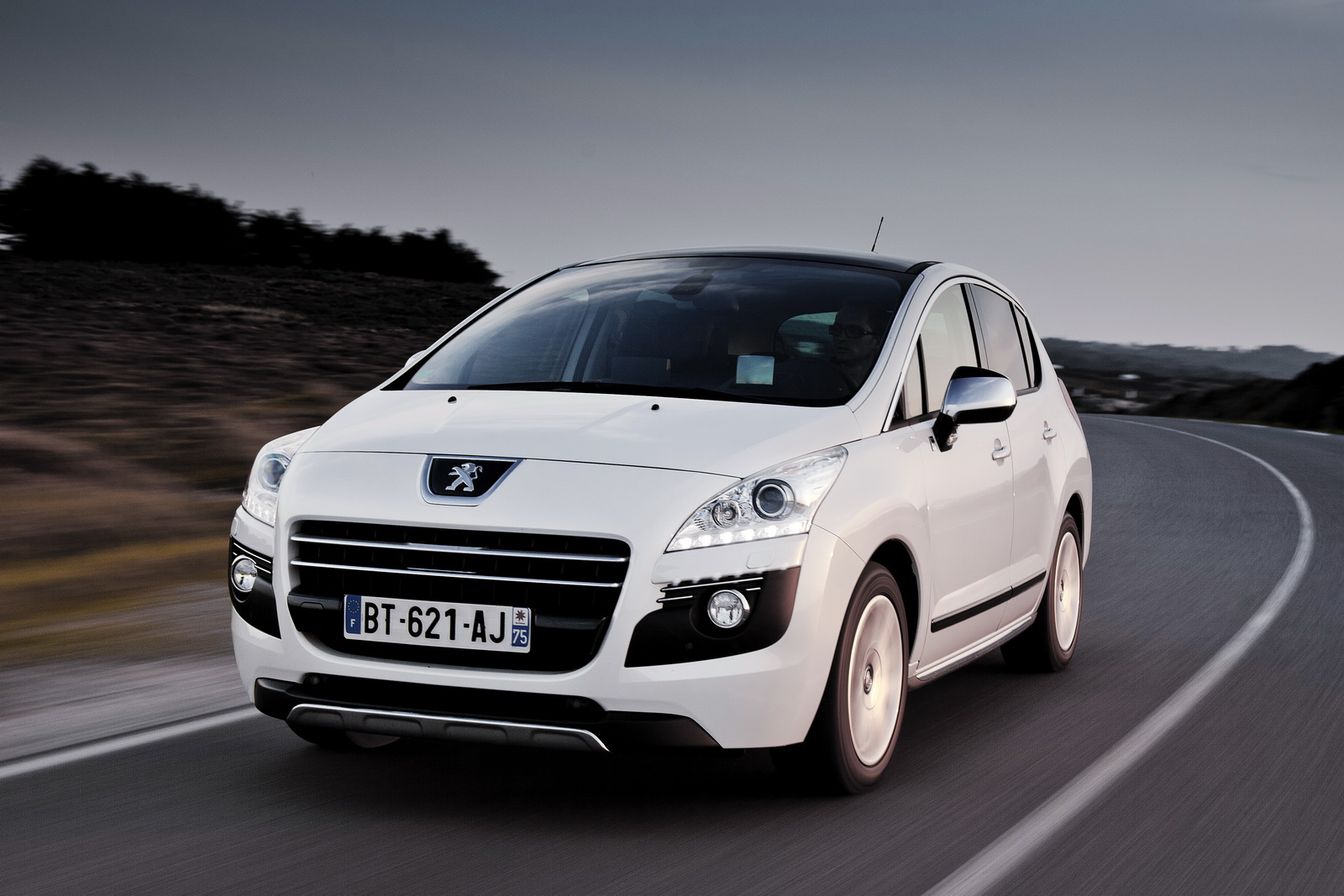 peugeot 3008 hybrid emissions lowered Photo Gallery Wallpapers HD