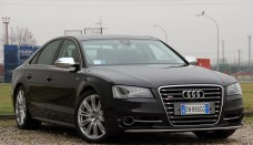 2013 Audi S8: Review Photos