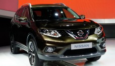 Nissan Rogue Front Three Quarters free image resizer