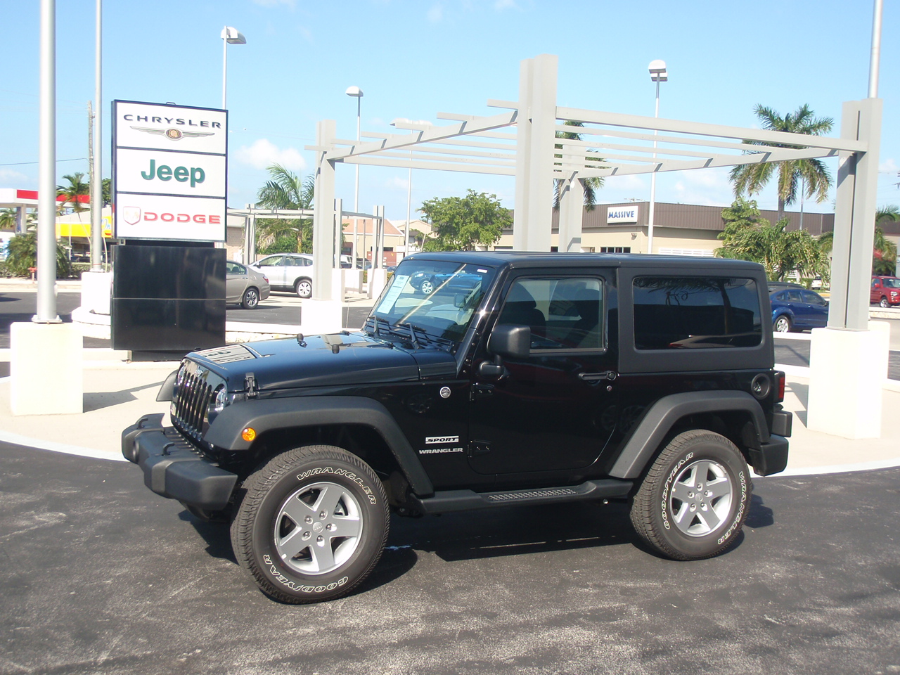 BLACK Jeep Wrangler 2 Door Hard Top 4×4 Vehicle Specifications free download image
