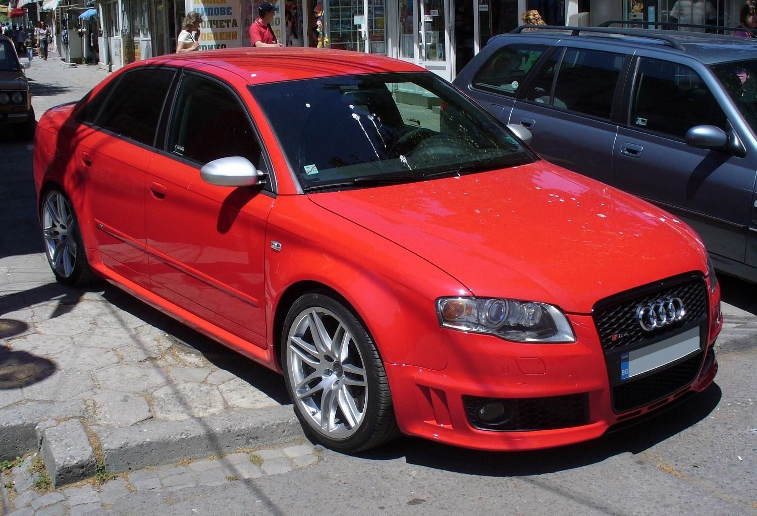 AUDI RS4 Wallpapers in High DEF For Desktop, Laptop, Tablet & Mobile 1