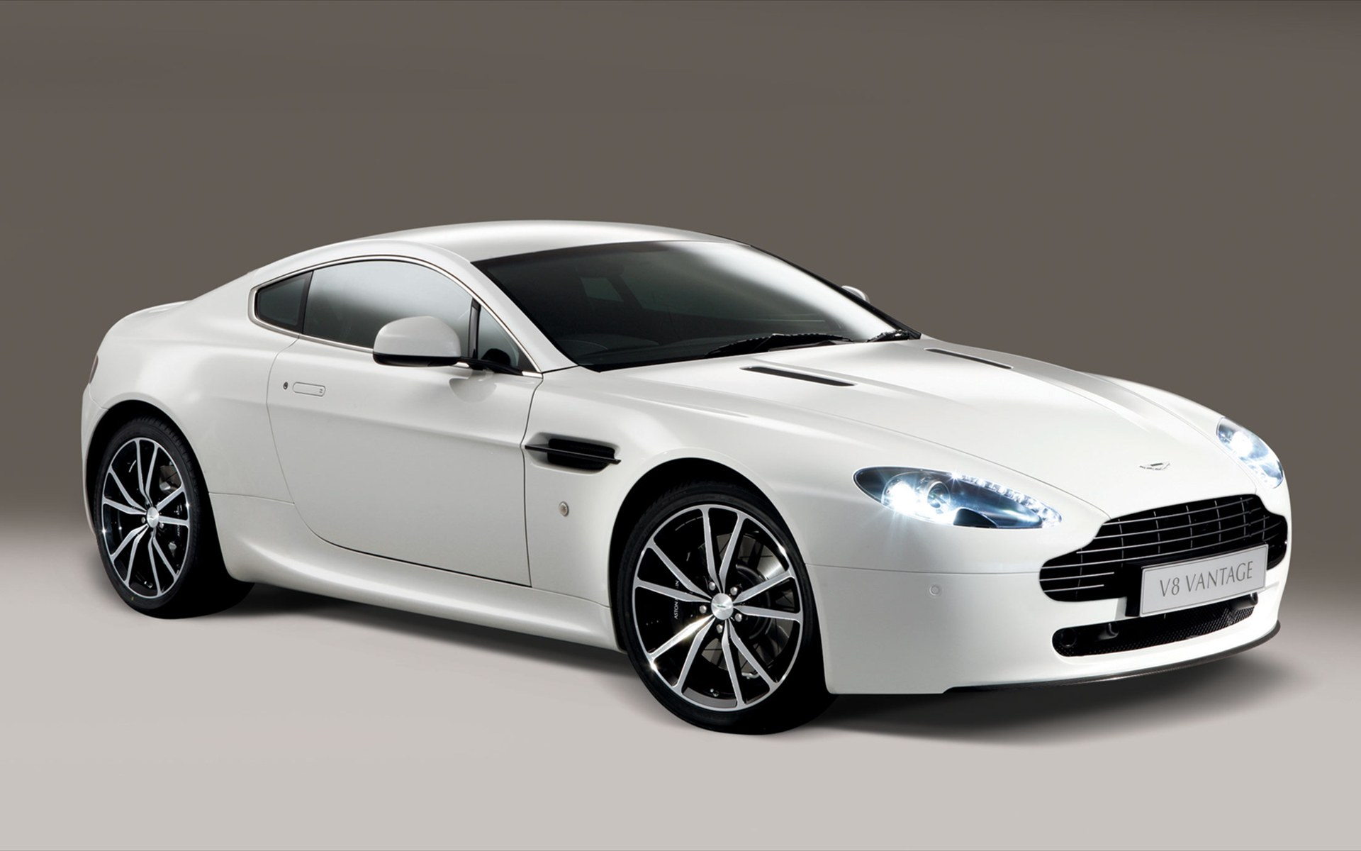 vantage – Automobile Wallpapers in, HD | Iphone | Android| Desktop 9 Wallpaper